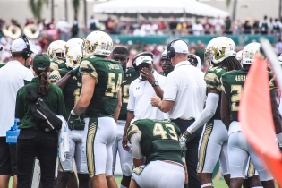 FSU vs USF 2016 100 - Willie Taggart with Nico Sawtelle and Auggie Sanchez on the sideline by Dennis Akers (4512x3008)