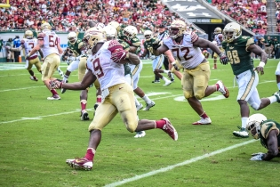 FSU vs USF 2016 90 - Jaques Patrick pursued by Kevin Bronson by Dennis Akers (4053x2702)