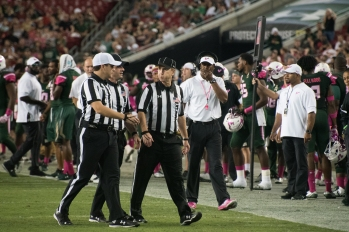 51 - UConn vs USF 2016 - USF Coach Willie Taggart (5150x3438)