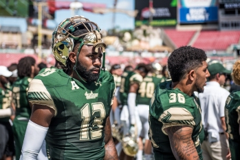 70 USF vs ECU 2016 - USF DB Tajee Fullwood and Nate Godwin (4994x3334)