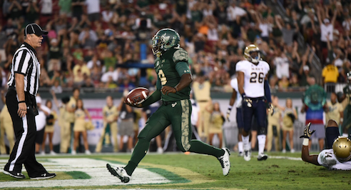 USF Sails Past No. 22 Navy 52-45 2016 | SoFloBulls.com (580x266)
