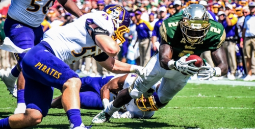 USF vs. UConn: Scouting the Huskies' Playmakers on Offense by Matt Staton FI | Photo by Dennis Akers | SoFloBulls.com (525x266)