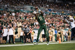 80 - Navy vs. USF 2016 - USF WR Marquez Valdes-Scantling TD Catch by Dennis Akers | SoFloBulls.com (3883x2589)