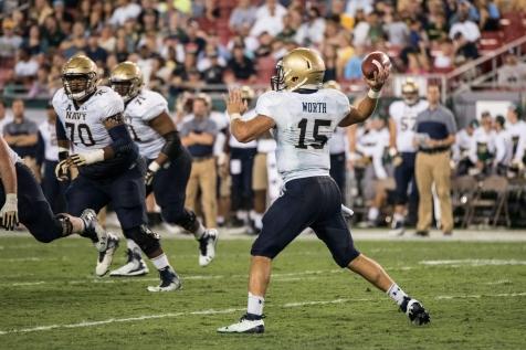 84 - Navy vs. USF 2016 - Navy QB Will Worth by Dennis Akers | SoFloBulls.com (3299x2199)