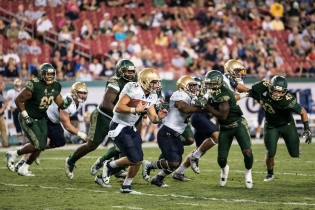 97 - Navy vs. USF 2016 - Navy QB Will Worth with S Khalid McGee Auggie Sanchez in pursuit-by Dennis Akers | SoFloBulls.com (4101x2738)