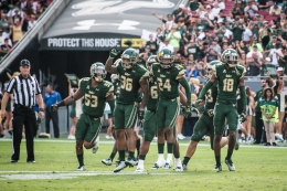 84 - USF vs. UCF 2016 - USF S Nate Godwin Interception Johnny Ward Danny Thomas Jaymon Thomas #WarOnI4 by Dennis Akers | SoFloBulls.com (4320x2884)