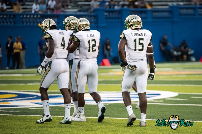 124 - USF vs. San Jose State 2017 - USF LB Jimmy Bayes Andre Polk Vincent Jackson by Dennis Akers | SoFloBulls.com (4439x2963)