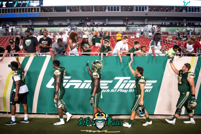 137 - Illinois vs. USF 2017 - USF Football Players High Fiving Fans by Dennis Akers | SoFloBulls.com (5184x3461)