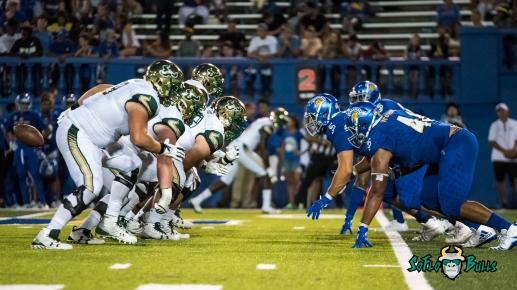 137 - USF vs. San Jose State 2017 - USF OL vs. San Jose State DL by Dennis Akers | SoFloBulls.com (4883x2747)