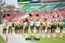 18 - Illinois vs. USF 2017 - USF Cheerleaders Dennis Akers | SoFloBulls.com (5036x3362)