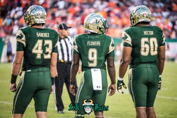 33 - Illinois vs. USF 2017 - USF LB Auggie Sanchez Quinton Flowers Bruce Hector by Dennis Akers | SoFloBulls.com (5418x3617)