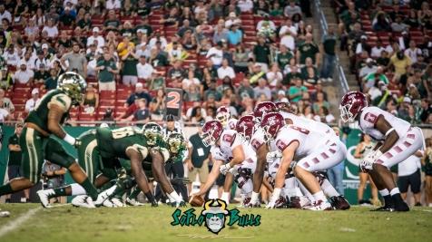 61 - Temple vs. USF 2017 - USF DL vs. Temple OL by Dennis Akers | SoFloBulls.com (5228x2941)