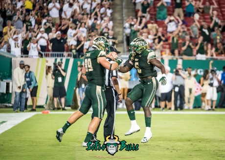 63 - Illinois vs. USF 2017 - USF RB Darius Tice Mitchell Wilcox Touchdown Celebration by Dennis Akers | SoFloBulls.com (4519x3228)