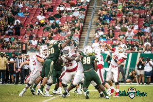 84 - Stony Brook vs. USF 2017 - USF DT Bruce Hector Mike Love by Dennis Akers | SoFloBulls.com (5078x3390)
