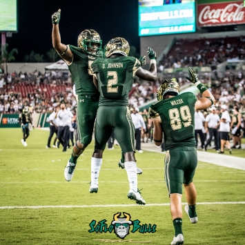 96 - Illinois vs. USF 2017 - USF RB D'Ernest Johnson Tyre McCants Mitchell Wilcox by Dennis Akers | SoFloBulls.com (3420x3420)