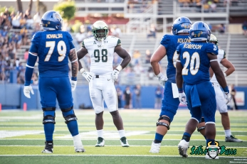 98 - USF vs. San Jose State 2017 - USF DE Mike Love by Dennis Akers | SoFloBulls.com (4461x2978)