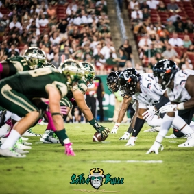 81 - Cincinnati vs. USF 2017 - USF OL vs. Cincinnati DL by Dennis Akers | SoFloBulls.com (3786x3786)