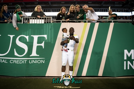 165 - Tulsa vs. USF 2017 - USF QB Quinton Flowers with his Daughter Amayah Post-Game by Dennis Akers | SoFloBulls.com (5624x3754)